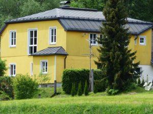 home-117437_640