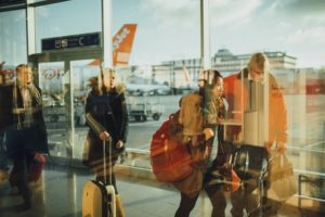 airport-731196_1920